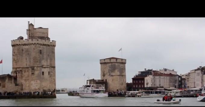 F1 Bateau : 193km/h dans le port de La Rochelle